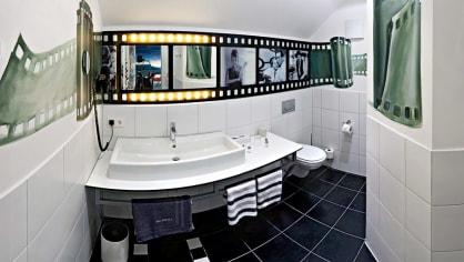 Koupelna pokoje ve stylu autokina