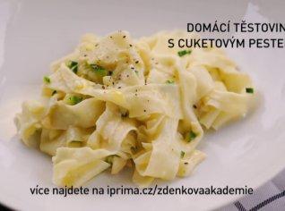 Fotografie k receptu Domácí těstoviny s cuketovým pestem