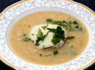 Fotografie k receptu Černohorská cibulačka s pivním sýrem