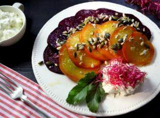 Fotografie k receptu Pečená řepa s praženými semínky a ostrým dipem