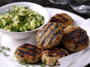 Fotografie k receptu Krůtí bochánky s okurkovou salsou