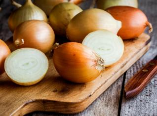 Fotografie k receptu Zuppa di cipolle alla contadina (Sedlácká cibulová polévka)