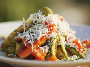 Fotografie k receptu Salát z grilované zeleniny s kurkumou