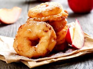 Fotografie k receptu Frittele di mele (Fritovaná jablka)