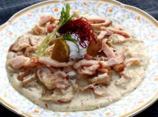 Fotografie k receptu Zadělávaná vepřová ouška s domácí šunkou