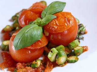 Fotografie k receptu Rajčata plněná sýrem fontina s chřestem