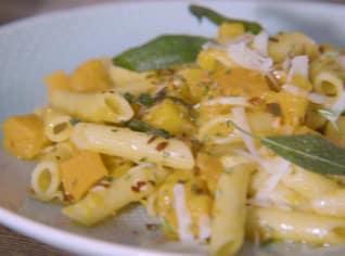 Fotografie k receptu Těstoviny s restovanou dýní s parmazánem