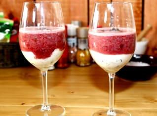 Fotografie k receptu Višňový drink s jogurtem a chia semínky