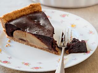 Fotografie k receptu Kořeněný čokoládový koláč s hruškami