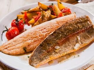 Fotografie k receptu Trota salmonata alle erbe (Lososový pstruh s bylinkami)
