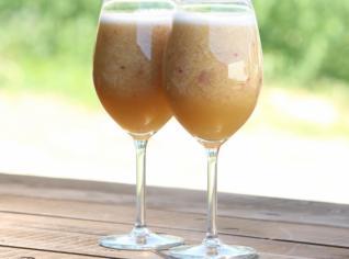 Fotografie k receptu Broskvový nápoj