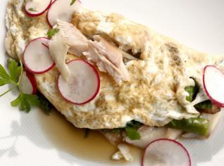 Fotografie k receptu Bílková omeleta s uzeným pstruhem