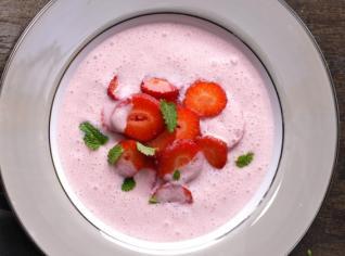 Fotografie k receptu Jahodová polévka se sektem