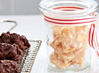 Fotografie k receptu Cukroví na poslední chvíli - Whisky sušenky z bílkové polevy