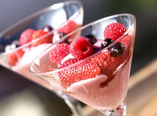 Fotografie k receptu Zmrzlinový pohár s restovaným ovocem