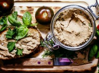 Fotografie k receptu Crostini di fegatini (Pěna z kuřecích jater s toasty)