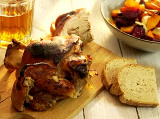 Fotografie k receptu Novoroční koleno pečené na černém pivě a zelenině