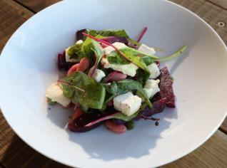 Fotografie k receptu Salát z červené řepy
