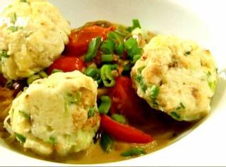Fotografie k receptu Jemné žemlové knedlíčky a houbové ragů