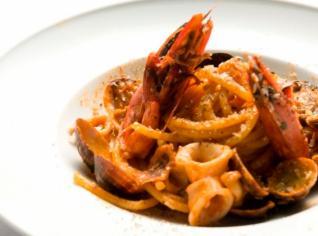 Fotografie k receptu Bucatini all a amatriciana di mare (Bucatini s mořskými plody a slaninou)