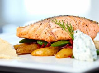 Fotografie k receptu Grilovaný filet z lososa s opečenými bramborami
