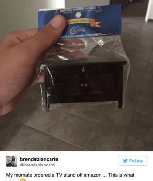 A to si chtěl koupit televizní stolek.