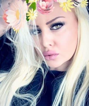 Charlotte Štiková o sobě říká, že je společenská, tvrdohlavá, hodná.