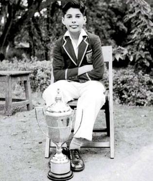 Malý Freddie Mercury. (1958)