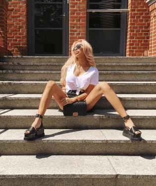 První polská barbie ukazuje své nezdravě vychrtlé tělo 9