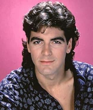 George Clooney vypadá po padesátce rozhodně lépe