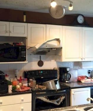 Objednal si někdo demolici kuchyně?