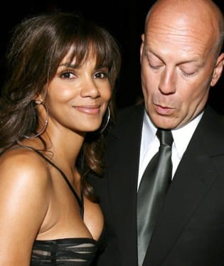 Bruce Willis a Halle Berry