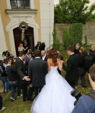 Svatba se konala v kostele v Unhošti