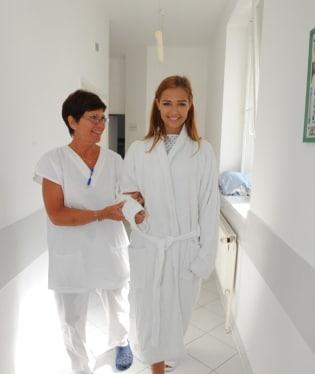 Lucie Kovandová jde na sál s úsměvem