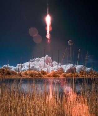 Start komerční rakety Antares se zásobami pro ISS