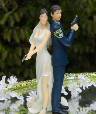 Jak asi vypadá taková policejní svatba?