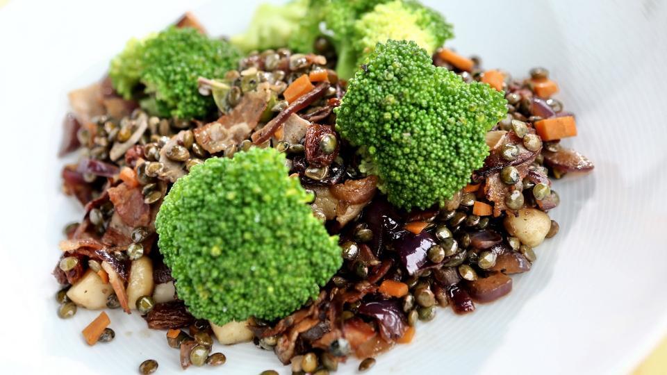 Zelená čočka s pancettou a brokolicí