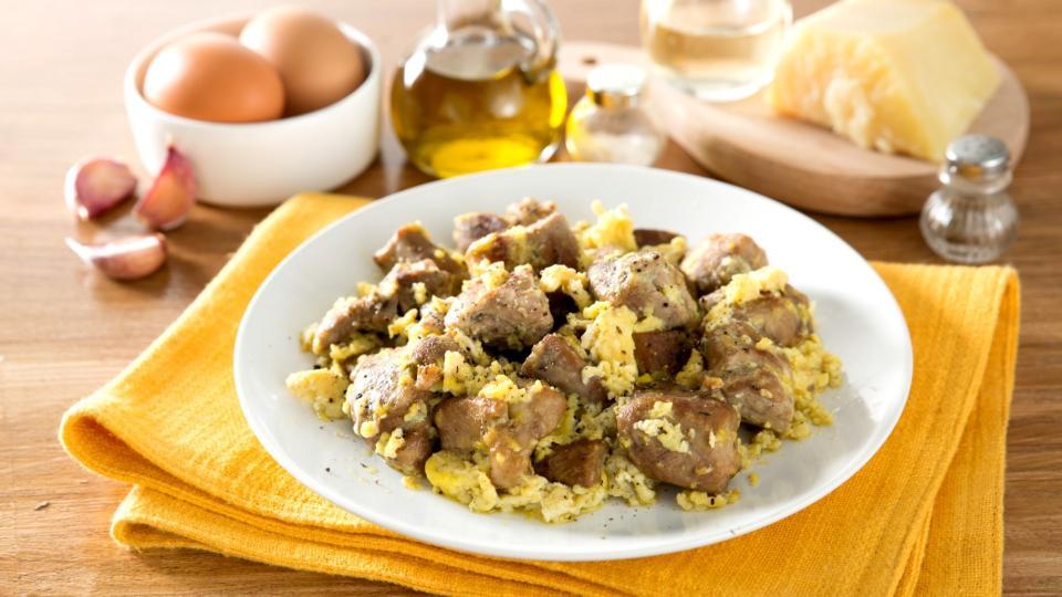 Agnello, cace e ove (Jehněčí se sýrem a vejci)