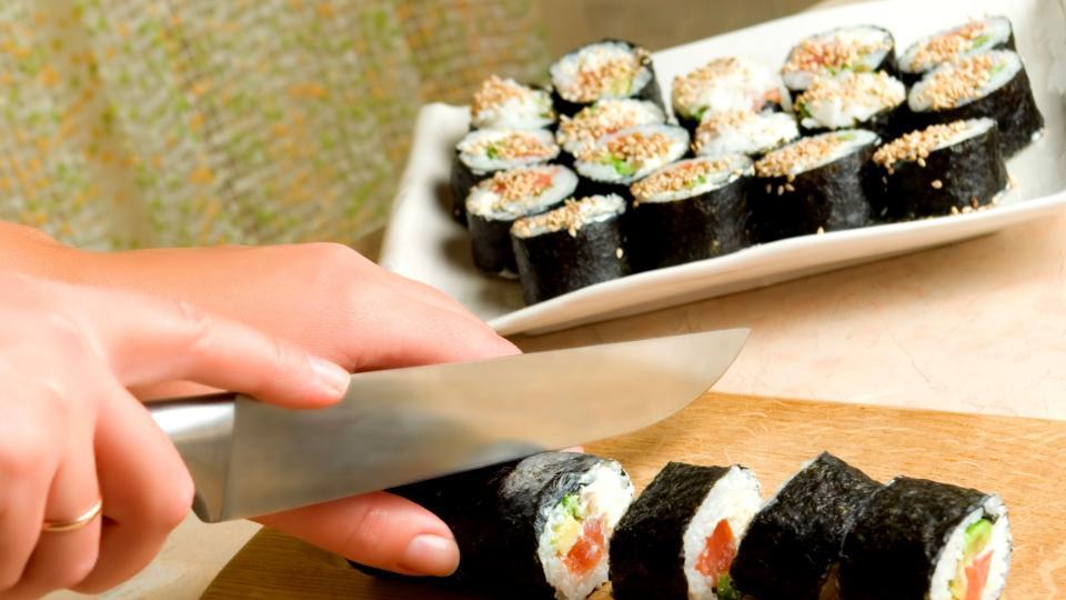 Maki-sushi s tuňákem (Japonská rolka s tuňákem)
