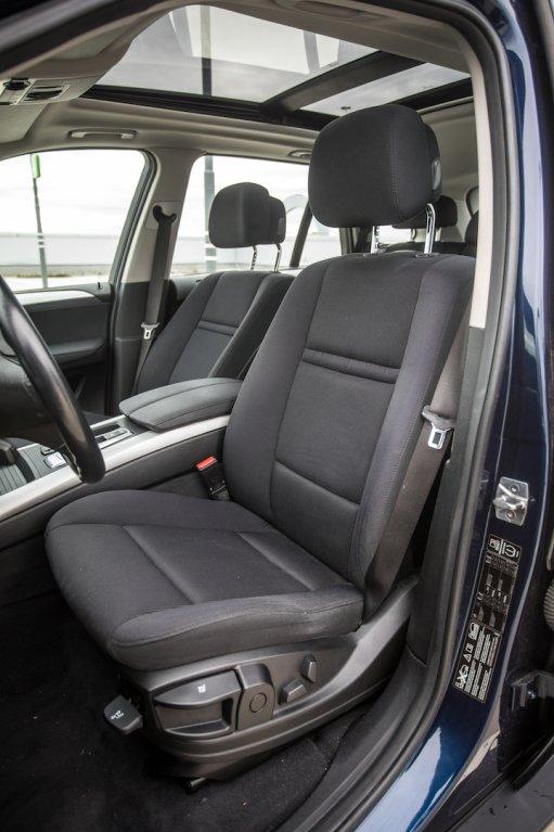 BMW X5 xDríve30d interiér 9