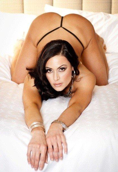 Jako striptérka si Kendra Lust vydělala dost, ne však tolik, jako teď v pornu