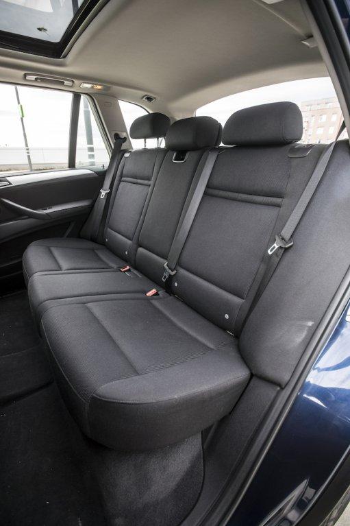 BMW X5 xDríve30d interiér 14