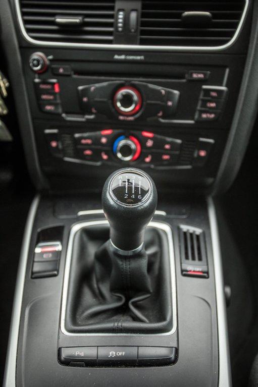 Audi A4 Allroad 2.0 TDI CR interiér 7