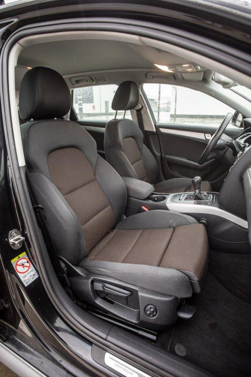 Audi A4 Allroad 2.0 TDI CR interiér 4