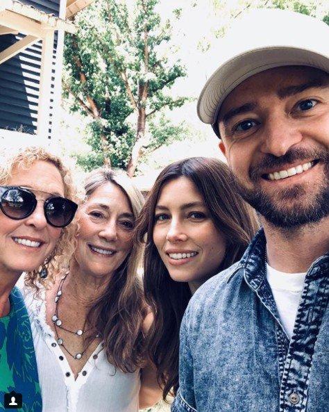 Justin Timberlake a tři maminky