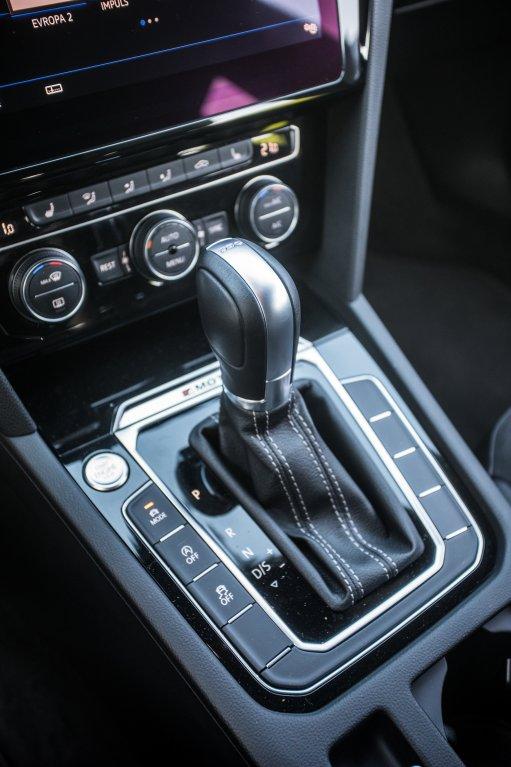 Volkswagen Arteon R-Line 2.0 TSI interiér 2