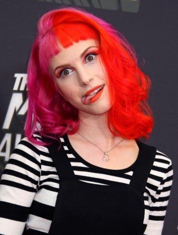 Rockerská rebelka ráda mění barvu vlasů