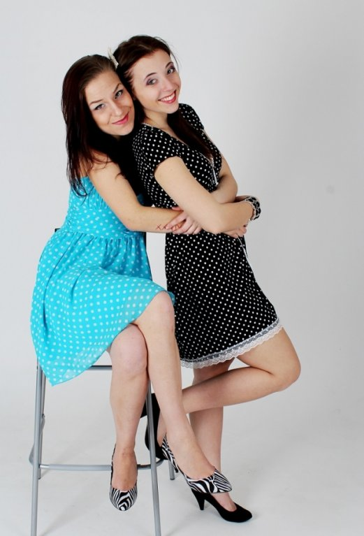 Anička as Marií si říkají Sushi Clips a první jejich profesionálně natočené video bylo Zombbie