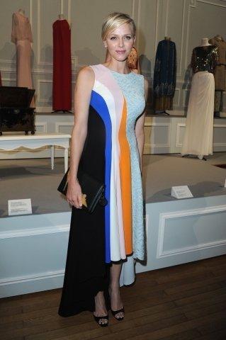 Princzna Charle si vyzkoušela šaty z přehlídky