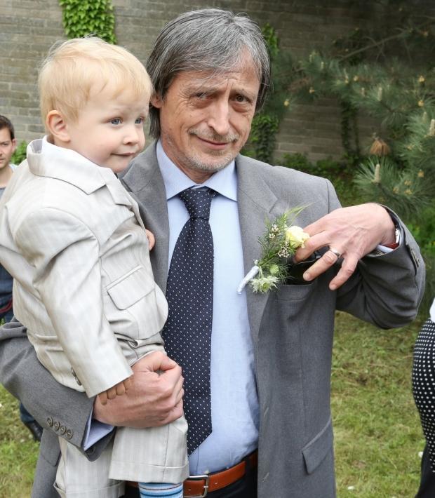 Martin Stropnický, manžel Veroniky Žilkové,  se taky snažil postarat o nevlastního vnoučka